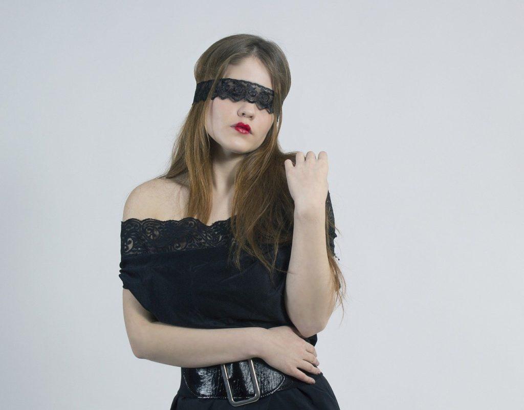 目隠し セックス